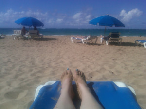 My toes match the ocean! (That wasn't intentional, but I like it.)